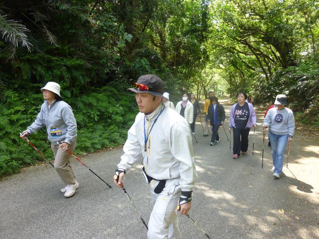 海風と緑と文化に親しむカンナ散歩